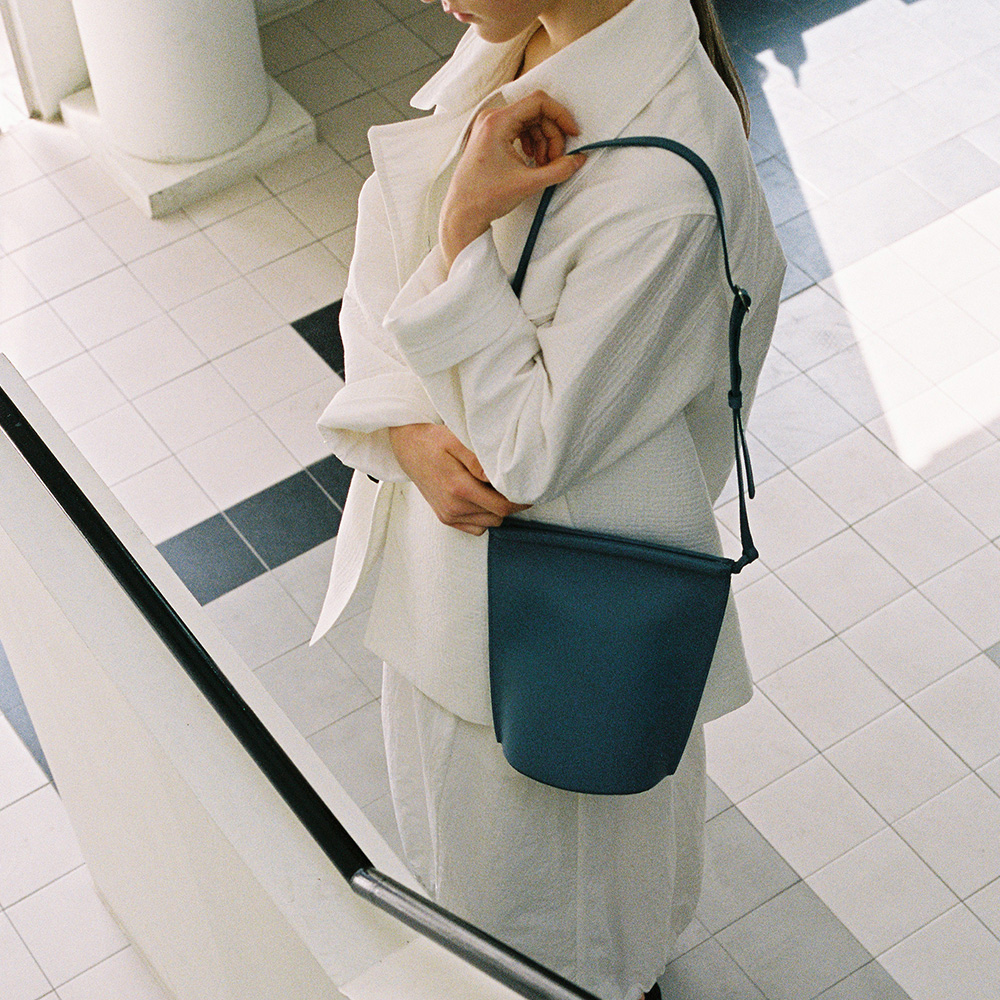 BUCKET BAG - DUTCH BLUE